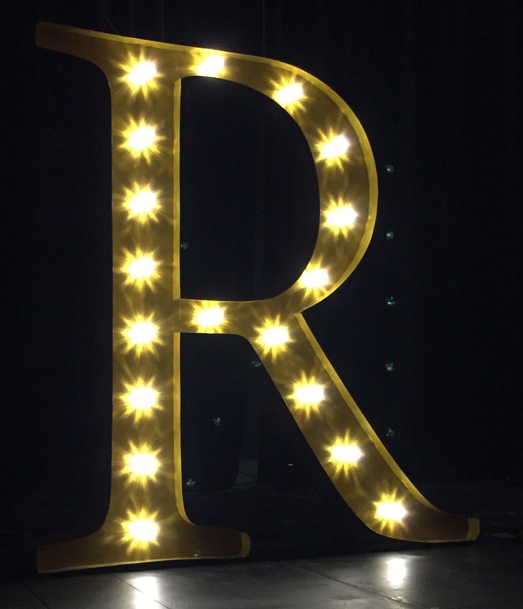 Giant 'R'